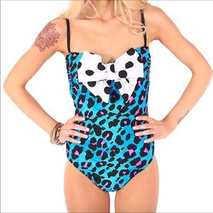 Iron fist water cat leopard bow swimsuit